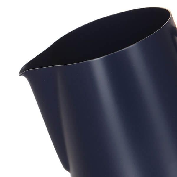 Питчер Classix Pro темно-синий 600мл