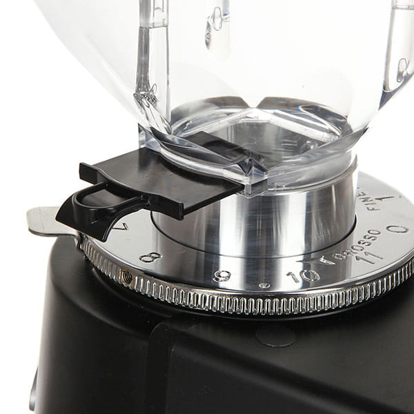 Кофемолка электронная Fiorenzato F64E Черная Матовая